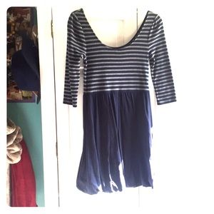 Dresses & Skirts - Grey and navy blue 3/4 sleeve dress!